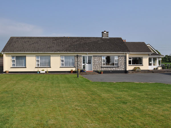 Setanta Farmhouse, Accommodation in Naas
